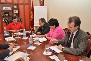 Германское общество международного сотрудничества обеспечит 2 тысячи фермеров южных областей Кыргызстана семенами