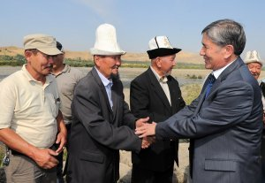 Алмазбек Атамбаев посетил город Ош, где ознакомился с проблемами местных жителей