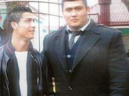Криштиану Роналду охраняет телохранитель из Кыргызстана?