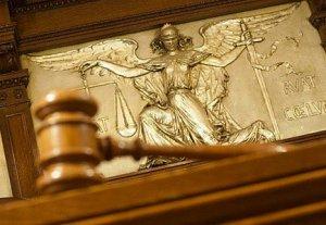 Суд будет выдавать разрешения на прослушивание абонентов спецслужбами