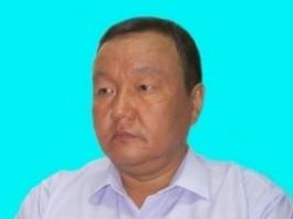 Депутат Айтмамат Назаров принял жителей Тогуз-Торо, митингующих возле «Белого дома»