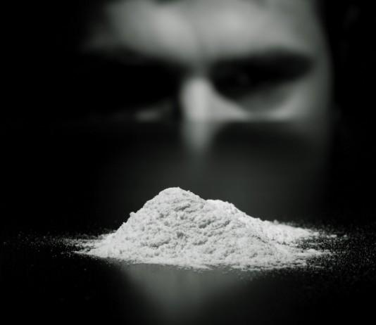 Facebook и Google узнали об употреблении наркотиков пользователями через приложения