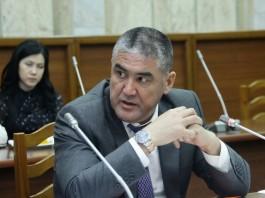 На суд по делу Курсана Асанова адвокат просит обеспечить явку Атамбаева