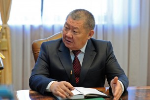 Жогорку Кенеш досрочно освободил Токона Мамытова от должности Омбудсмена