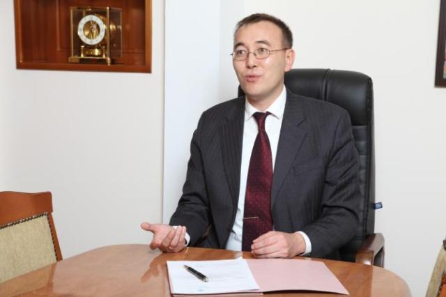 Жээнбеков: киргизско-казахстанская линия будет открыта досогласования дорожной карты