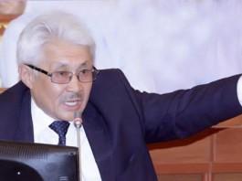 За нарушение порядка Тусунбека Акуна приговорили к общественным работам