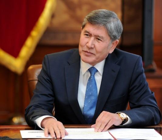 «Я все-таки останусь в политике»: чего ждать от Атамбаева после президентства?