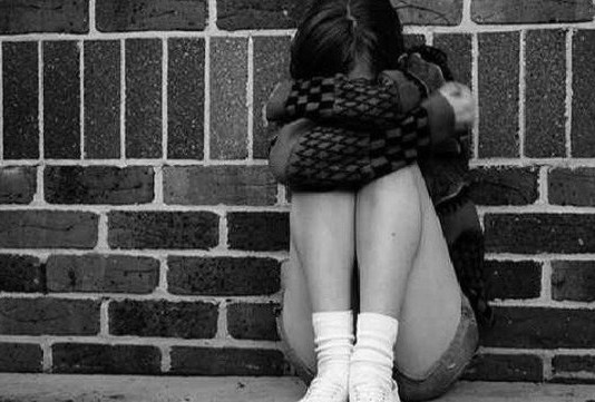 В Кемине 23-летний парень изнасиловал девушку