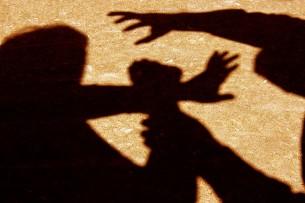 На одном из УИК в Оше напали на журналиста телеканала «НТС»