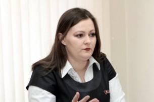 «Cтала свидетелем настолько циничных и неконституционных инициатив коллег»: Депутат парламент Кыргызстана выступает против закона о перенесении выборов