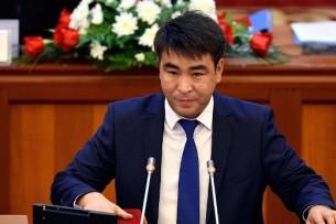 Жанар Акаев потребовал от вице-премьера Разакова попросить прощения у народа
