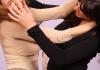 В Бишкеке сотрудница таможни избила женщину (видео)