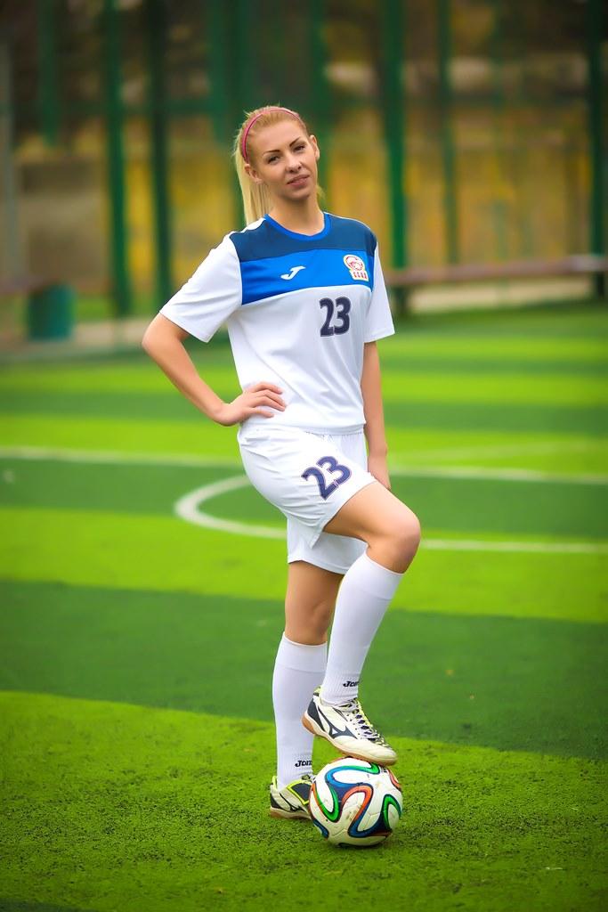 Девушки в футболе доклад 2874