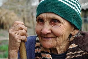 Депутат предлагает открыть по Кыргызстану центры дневного пребывания пожилых