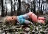 Казахстанка просила денег, чтобы похоронить пятилетнюю дочь