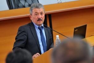 Президент Кыргызстана принял отставку министра финансов