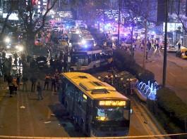 В Турции подорвали автобус с солдатами