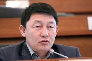 Кыргызстанцам два месяца не выплачивают пособия