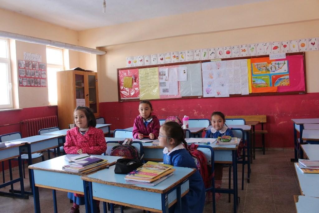 Школа в селе Улуу Памир
