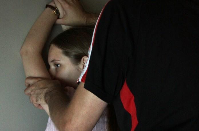 порно малаилетак в ебут в жопу фото