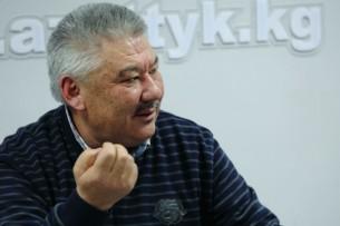 Азимбек Бекназаров: Новые депутаты займутся перераспределением власти и богатства в стране