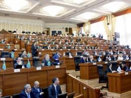 Депутаты перечислят трехдневную зарплату пострадавшим от оползня в Узгенском районе