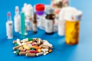 В Кыргызстане временно разрешена поставка без госрегистрации жизненно важных лекарств