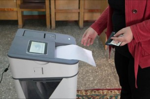 Данные АСУ: Жээнбеков набрал 911 тыс. голосов, Бабанов – 562 тыс.