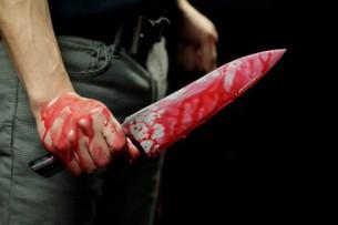 Милиционер ранил коллегу ножом