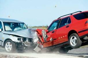 На трассе Бишкек – Ош столкнулись бензовоз и фура, погиб водитель