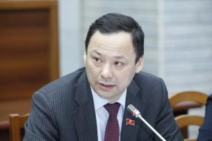 Новым лидером фракции «Республика – Ата Журт» стал Руслан Казакбаев