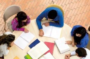 Депутат ЖК предлагает обязать родителей содержать детей во время их обучения в вузах