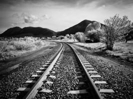 ЧП: Поезд насмерть сбил 18-летнего парня