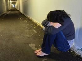 В Джалал-Абадской области трое мужчин неделю насиловали женщину