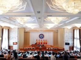 «Неуд» правительству Жээнбекова-Исакова. Или нужен ли роспуск парламента?