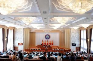 Парламент никак не может принять проект решения комиссии по делу о мародерстве в 2010 году