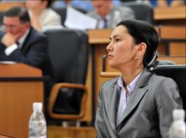 Аида Салянова предлагает запретить кормить гостей на похоронах