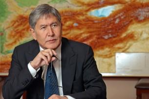 Адвокат: У Алмазбека Атамбаева и его близких нет счетов, ячеек и акций в 25 банках