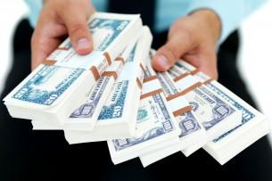 В аэропорту Дели задержали кыргызстанку с более $1 млн в багаже