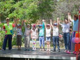 Маленьких пациентов Центра онкологии поздравили с Днем защиты детей