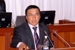 Иманалиев: Будущий президент должен быть сильным в международных вопросах, экономике и сфере безопасности