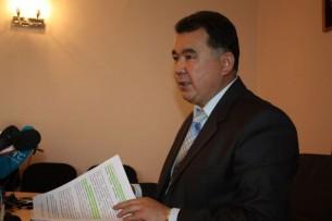 Представители СМИ и гражданские активисты требуют отставки губернатора Чуйской области. Часть уже проводит митинг у здания облгосадминистрации