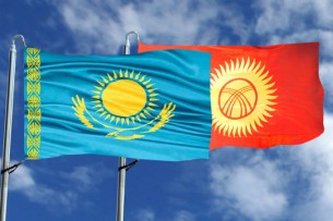 Казахстан отправит 10 тысяч тонн муки в Кыргызстан в качестве гумпомощи