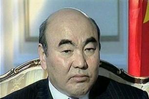 Аскар Акаев потребует извинений и компенсацию за жизнь в изгнании — Каптагаев