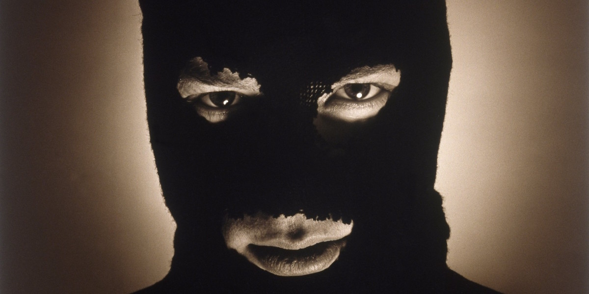 Мужчина в маске картинки на аву