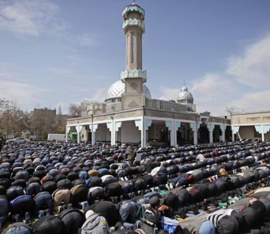 Столичные мечети понизили громкость утренней молитвы с 8 до 5 децибел
