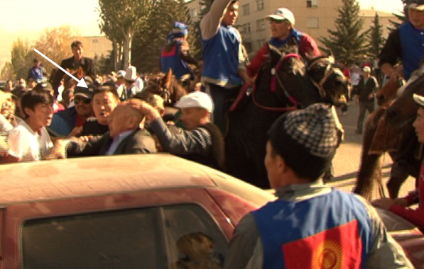 Кадры с момента взятия в заложники Каптагаева. 2013 г.