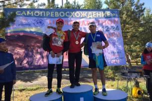 Кыргызстанец занял первое место в велогонке в России