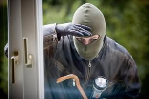 В Оше ограбили офисы депутата Азамата Арапбаева