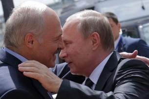 Лукашенко предрекает уход Путина из власти